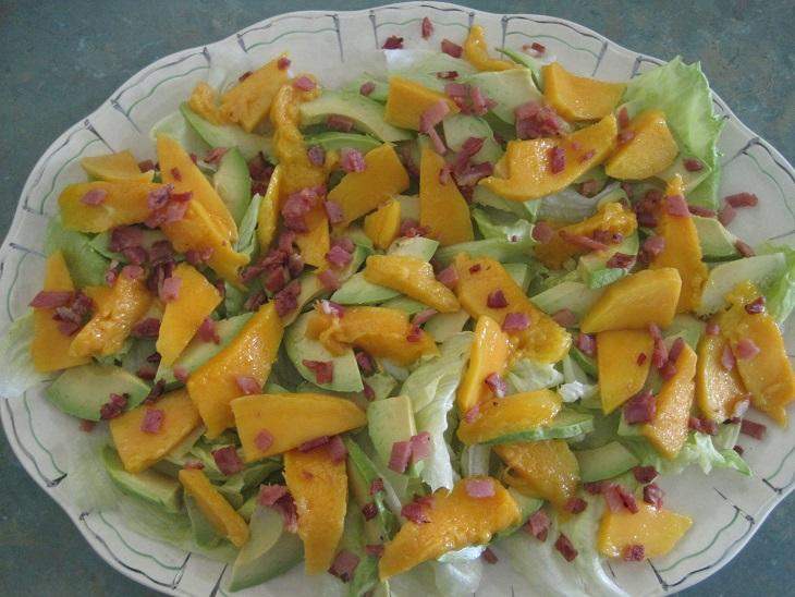 Friday Favourites - Mango & Avocado Salad