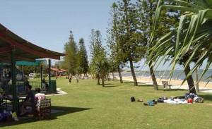 Suttons-Beach-Redcliffe-300x183
