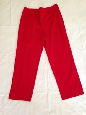 05 Red capri pants