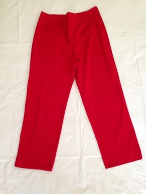 05 Red capri pants
