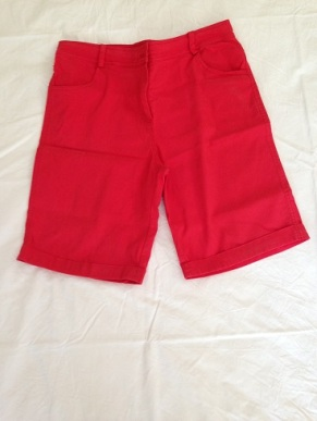 06 Red shorts
