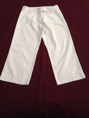 15 White cropped pants